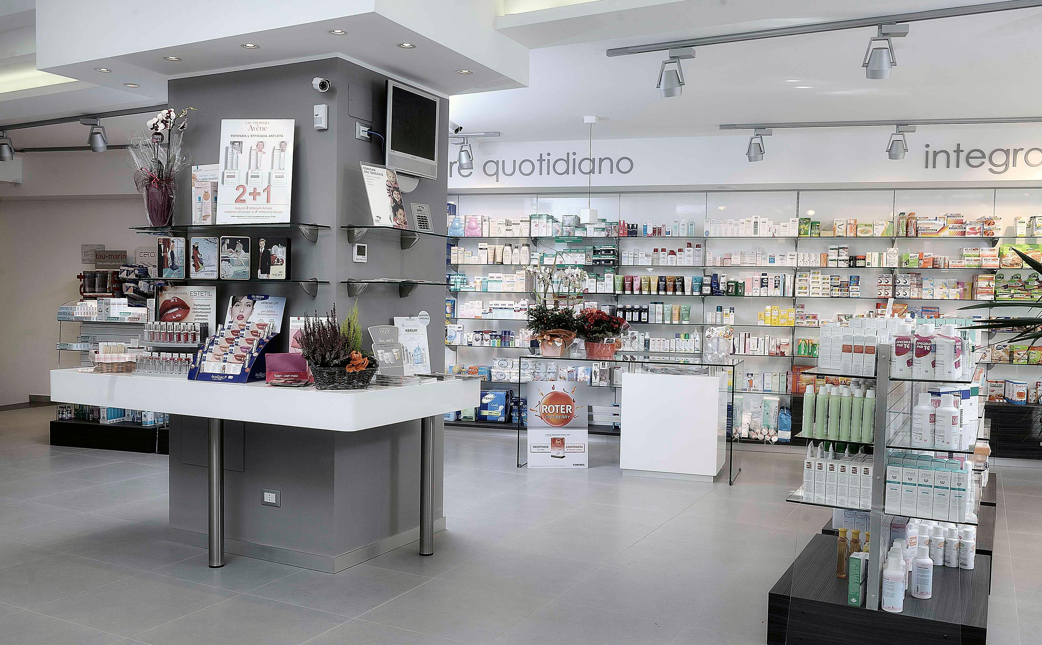 Marco cetini verso il riconoscimento sociale delle for Arredamenti farmacie